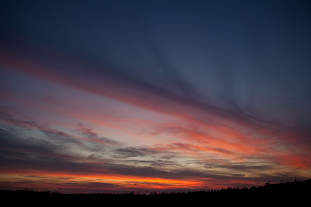 """Spring Sunset Clouds"" (credit: ForestWander, license: CC BY-SA)"