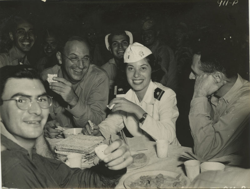 """Jewish servicemen and women celebrate Passover"" (credit: David I. Cederbaum, repository: Center for Jewish History, circa 1945, no copyright restrictions)"
