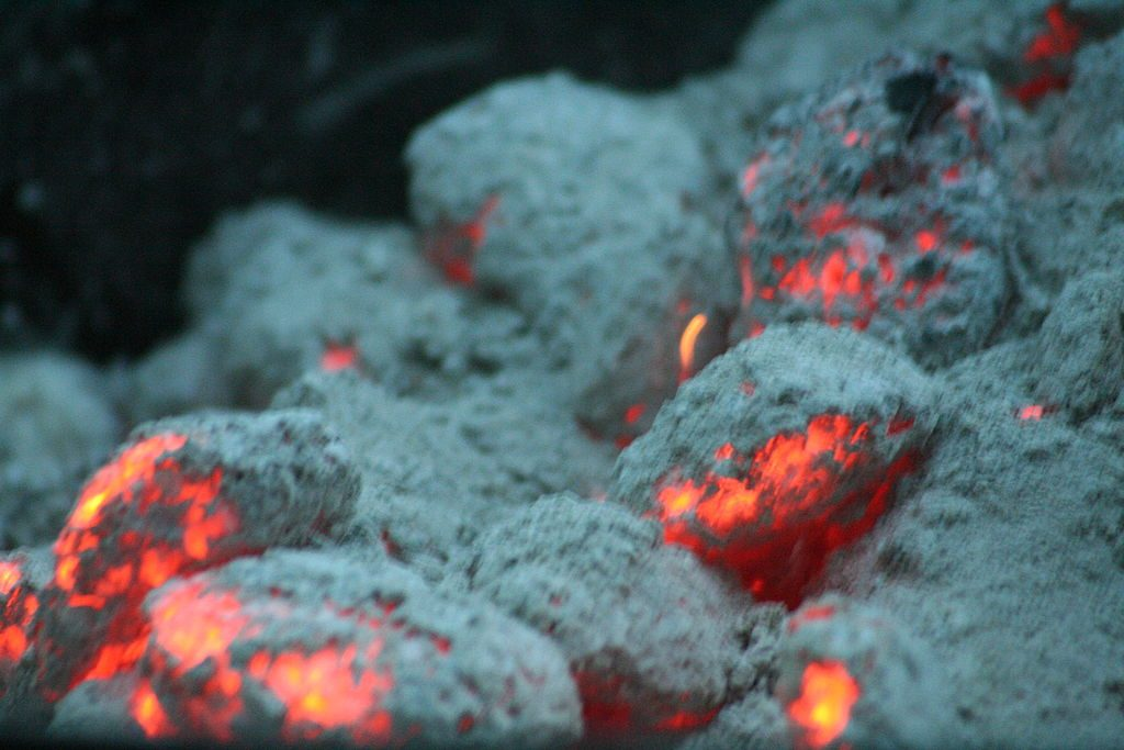 """Glühende Kohle (CloseUp) - Nr. 001 glowing coal - No. 001"" (credit: Andreas Fink, license: CC BY-SA)"