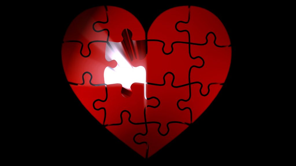 """Puzzle-heart-light-luck-puzzles"" by PIRO4D (license: CC 0)"