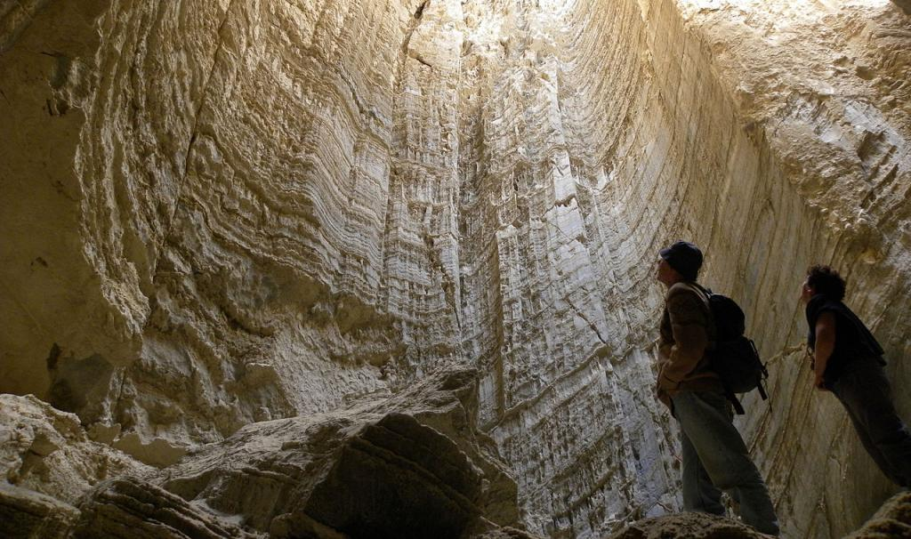 Salt cave in Mount Sodom, Israel. (credit: Wilson44691, license: CC BY-SA)