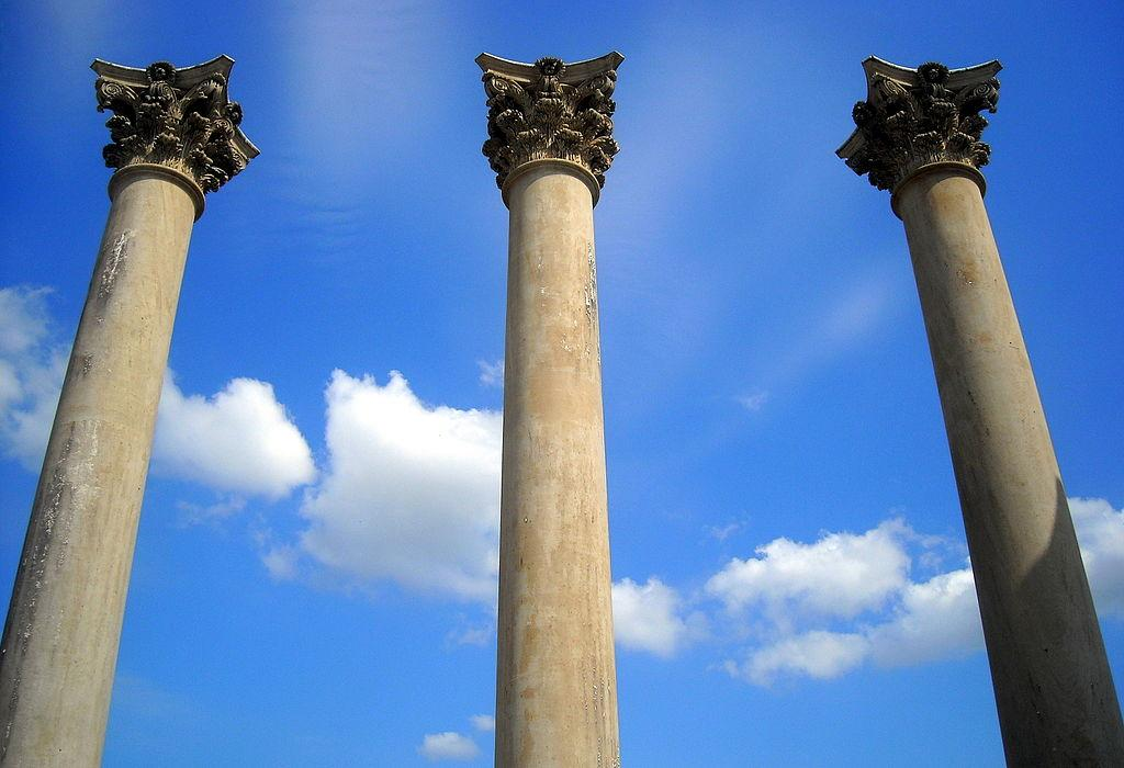 Three of the National Capitol Columns located in Washington, D.C. (credit: AgnosticPreachersKid, license: CC BY-SA)