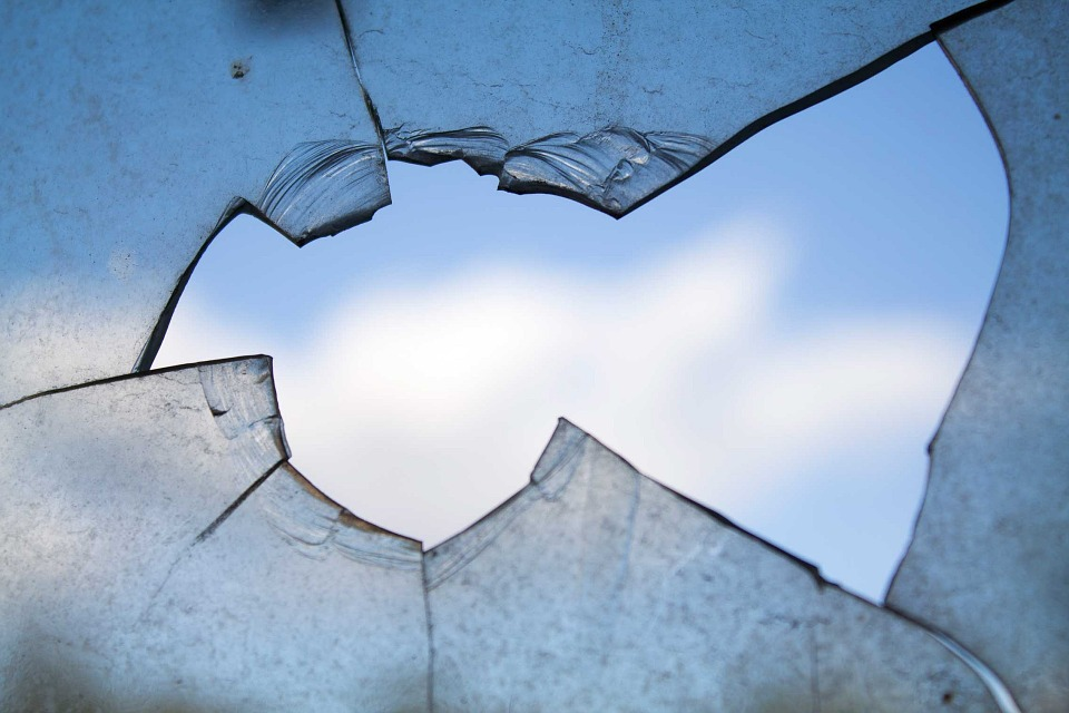 Broken Window, Hole, Glass, Damage (credit: Maxpixel, license: CC0)