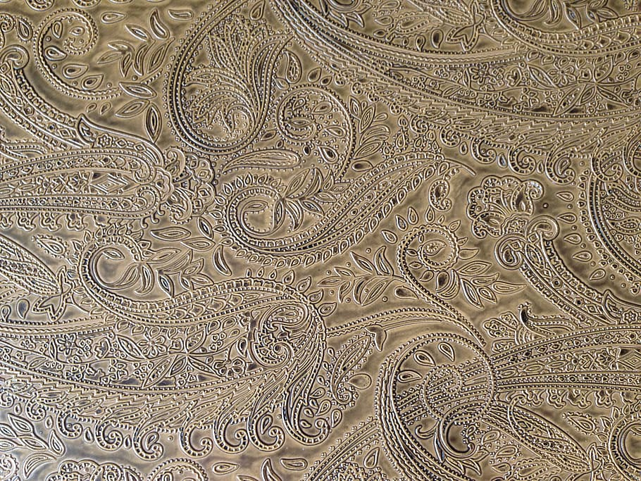 wallpaper-paisley-tan-design