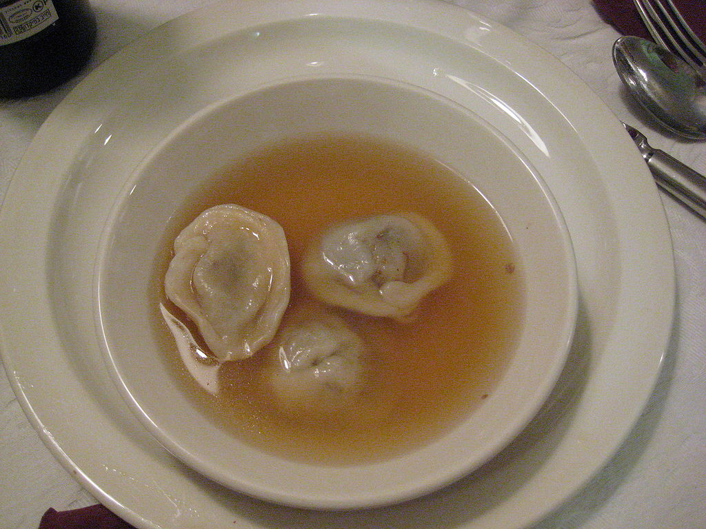 kreplach in clear chicken soup for Rosh Ha'Shanah (credit: Zlerman, license: CC BY-SA)