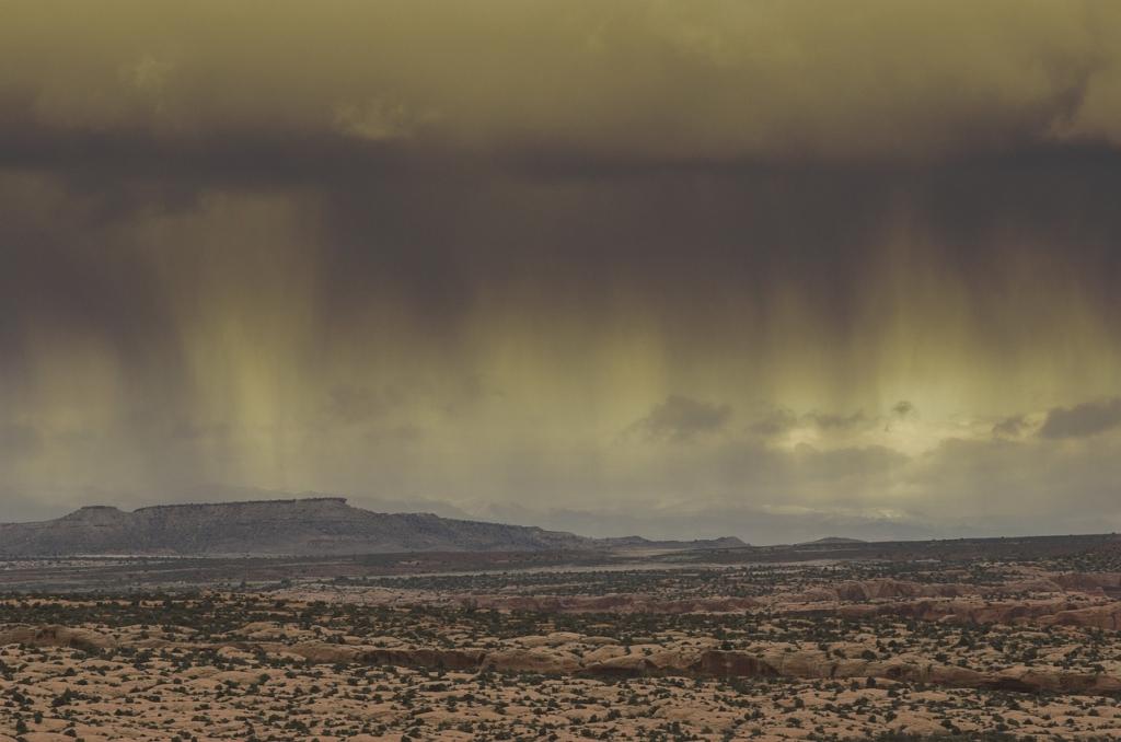 Storm Rain Desert (credit: Designtek, license: CC0)