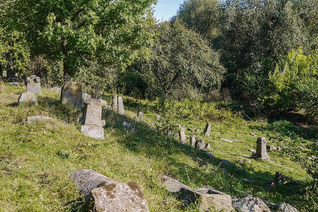 Єврейське кладовище, Немирів, Немирівський район Вінницька область (credit: Posterrr, license: CC BY-SA)