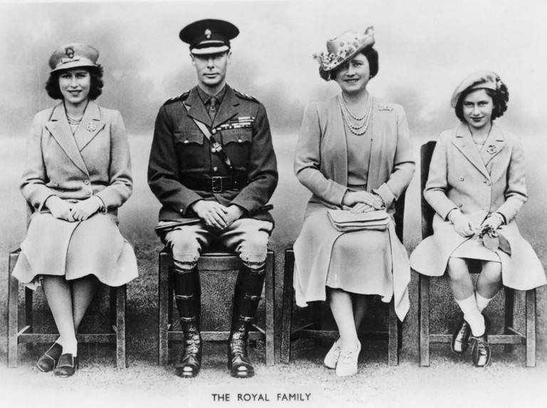 King George VI, H.M. Queen Elizabeth, Princesses Elizabeth and Margaret, of United Kingdom, Portrait, World War II. (Photo by: Universal History Archive/UIG via Getty Images)